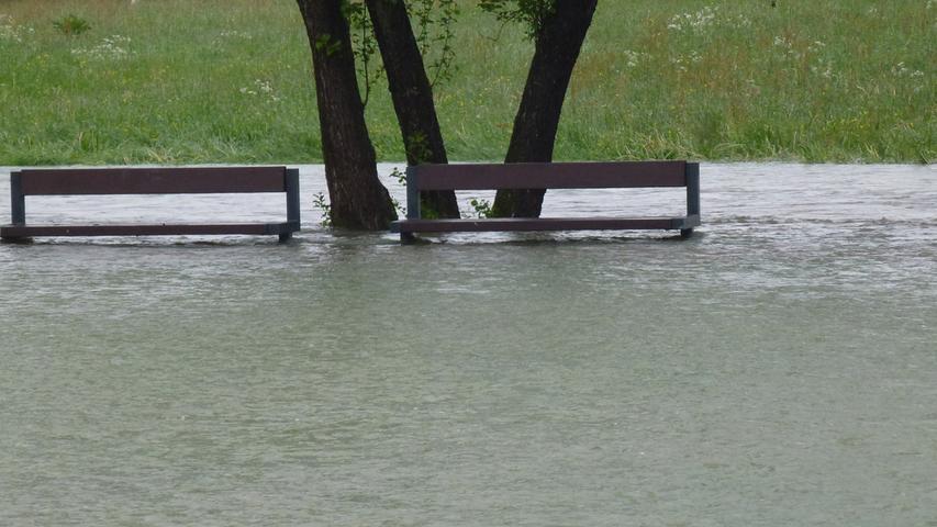 Landunter in Forchheim und Umgebung: Nach anhaltenden Regenfällen kam es vielerorts zu Hochwasser.