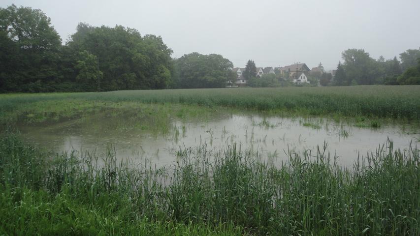 Der Starkregen, der die gesamte Region heimsuchte, machte...