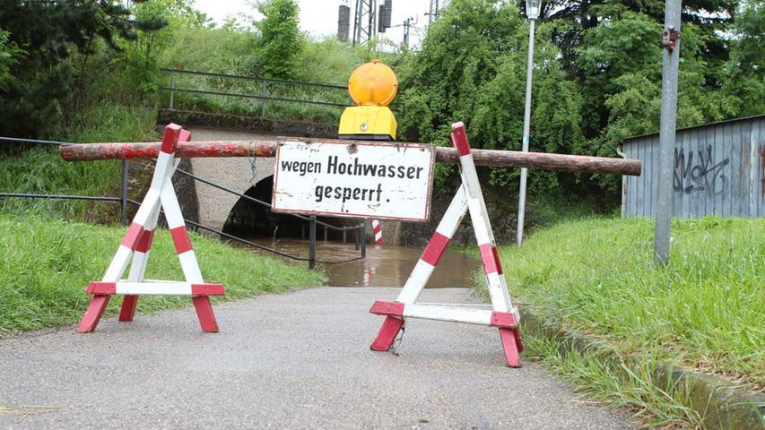 Kein Durchkommen möglich: Auch das Mausloch in Ansbach...