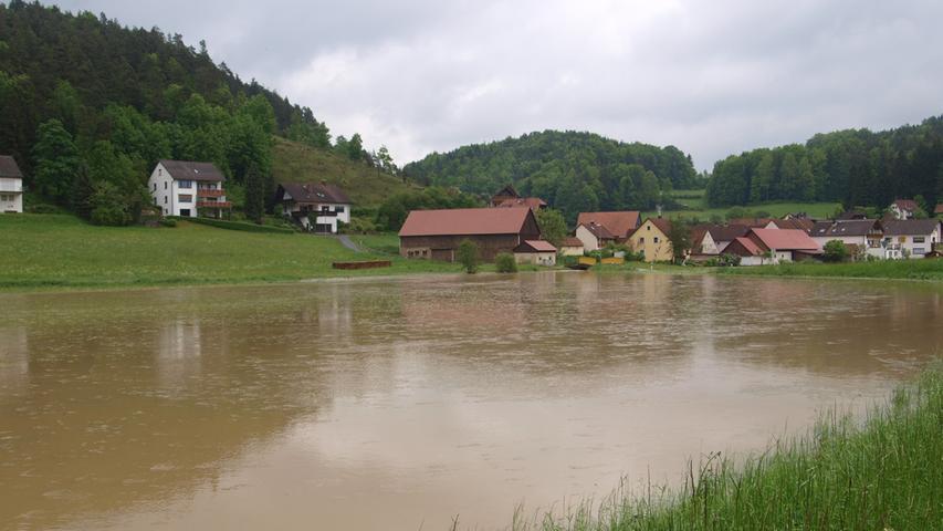 Auch das Forchheimer Land wurde teilweise von Wassermassen überflutet. Weitere Bilder dazu finden Sie hier.