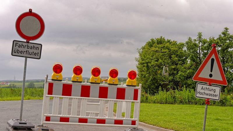Alle Zufahrtsstraßen sind gesperrt.