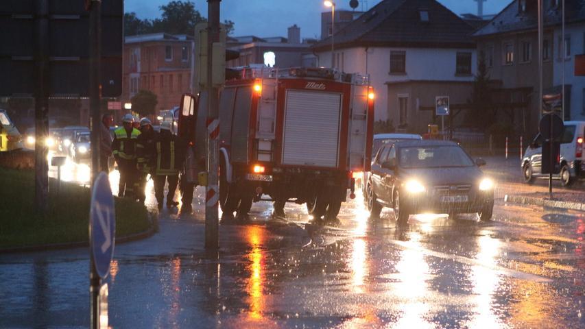 Tagelanger Regen sorgte im Mai und Juni 2013 dafür, dass in weiten Teilen der Region Flüsse und Seen über die Ufer traten. Wenngleich es den Osten Deutschlands heftiger traf, hatten auch in Franken die Menschen mit den Fluten zu kämpfen.