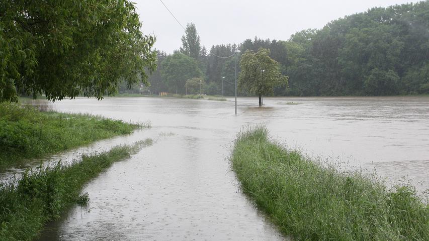 Auch die Fuß- und Radwege nach Dambach erinnern eher an Seestraßen.