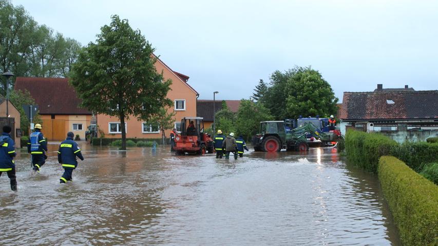 ...die verheerenden Auswirkungen des Dauerregens.