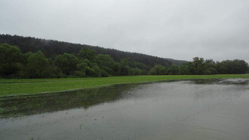 Das Flussbett der Schwarzach war...