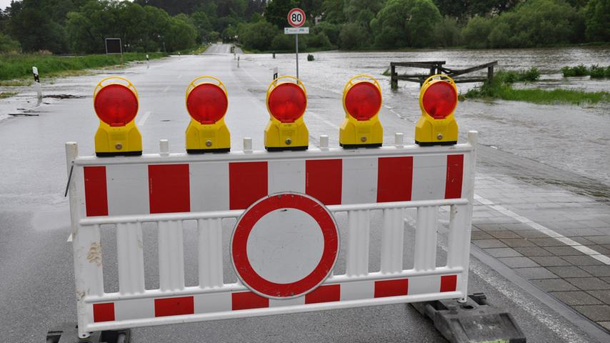 An manchen Stellen war Autofahren verboten, an...