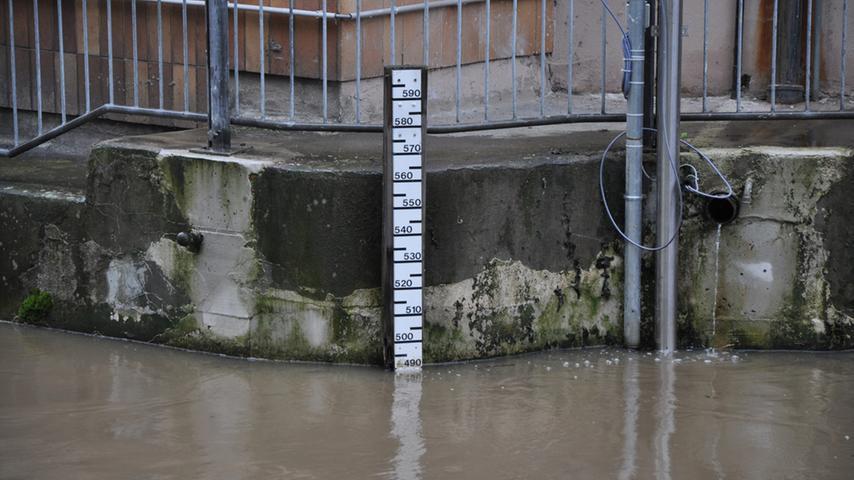 Das Wasser stieg fast fünf Meter hoch.