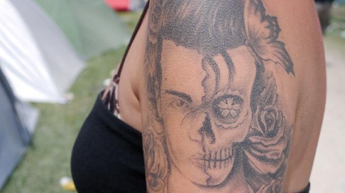 Gottes tattoo pfad blutige Tattoos im