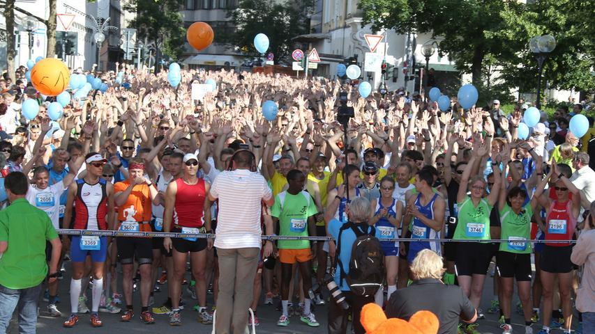 Tapfere Läufer und tausende Zuschauer beim Halbmarathon in Fürth