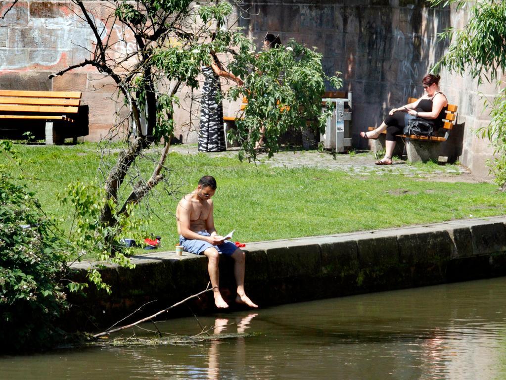 Ein perfekter Ort für die Mittagspause. Die Liebensinsel in Nürnberg.