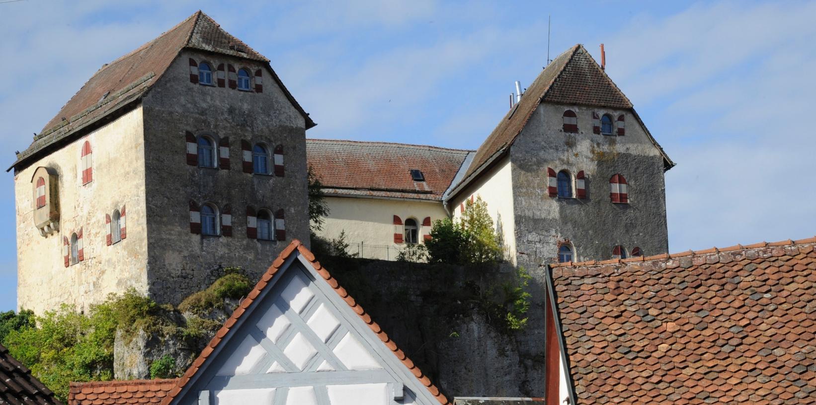 Wahrzeichen der Gemeinde: Seit der Insolvenz des letzten Eigentümers im Jahr 2006 stand die Burg Hiltpoltstein unter treuhänderischer Verwaltung.