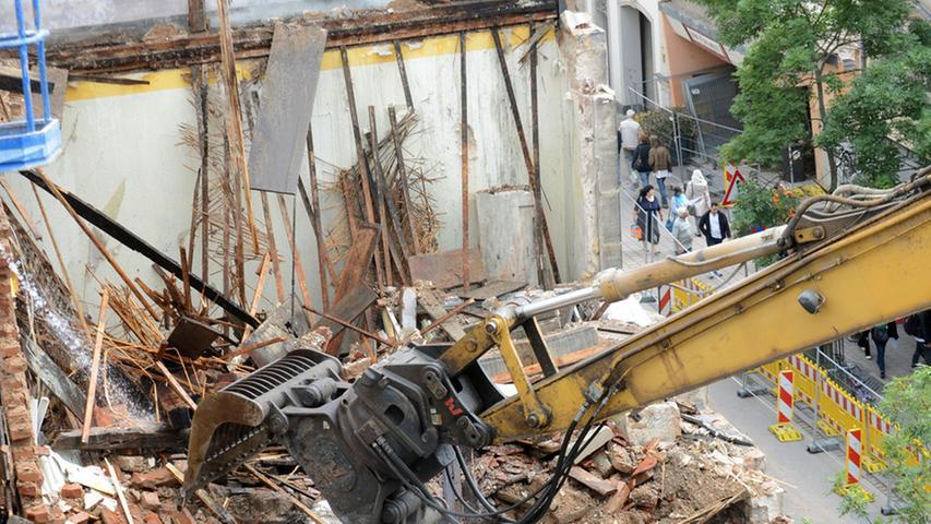 Abrissarbeiten des Fiedler-Gebäudes in Fürth sind in vollem Gange