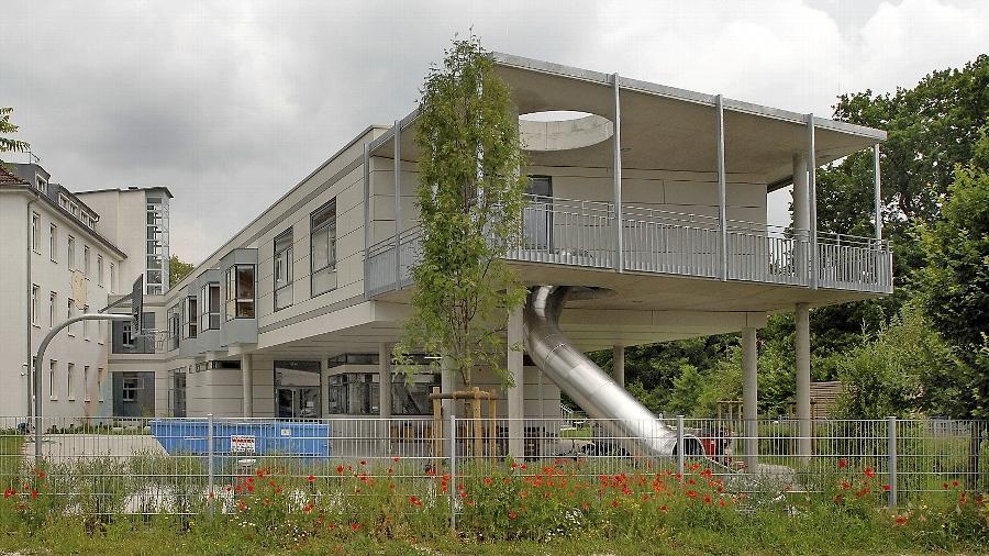 Der Anbau der Montessori-Schule von Volker Heid gehört zu den empfohlenen Besichtigungsobjekten.