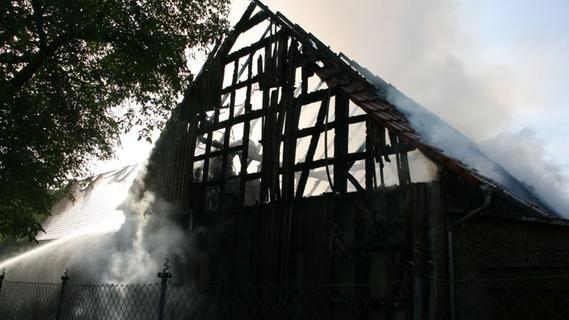 Großeinsatz in Ulsenheim: Feuer im Landgasthof