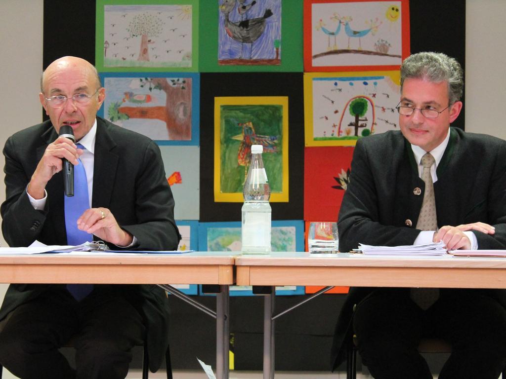 Die beiden Referenten: Wilhelm Schlötterer (links) und Florian Streibl (rechts).
