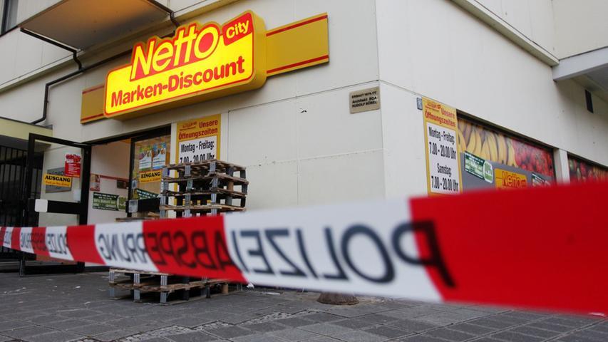 Maskierter überfällt Supermarkt mit Schreckschusspistole