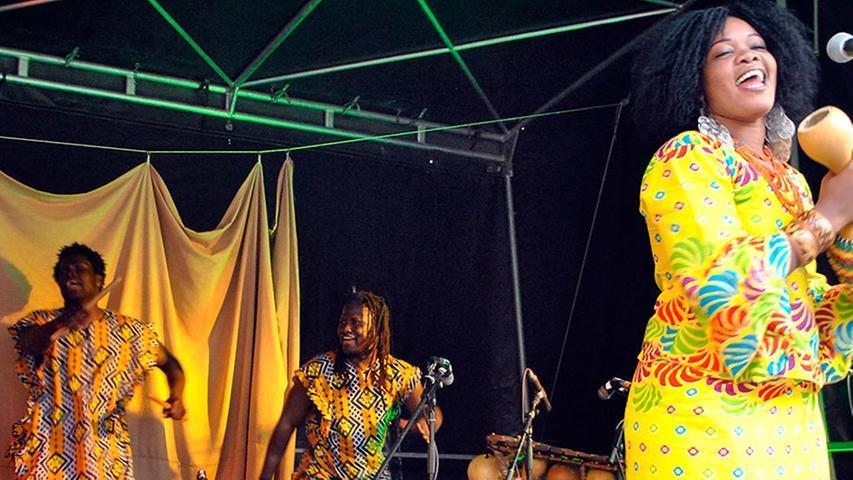 Afrikanisches Hirsebier auf den Gräfenberger Kulturtagen