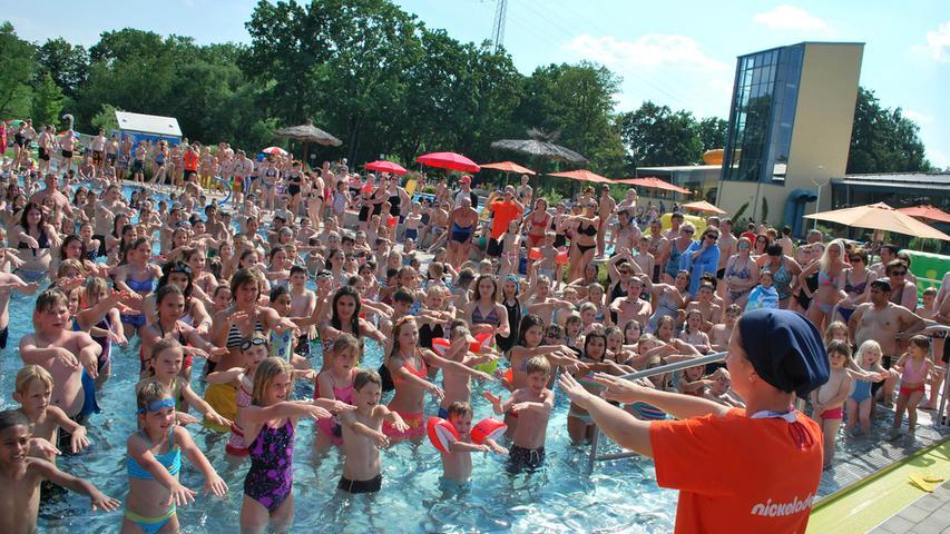 Cooler Spaß bei der Poolparty im Königsbad