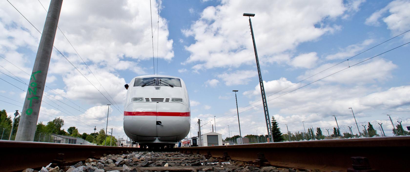 Auch auf Schienen kann man sich verfahren: Das erlebten die Passagiere des ICE 1208 am Samstag.