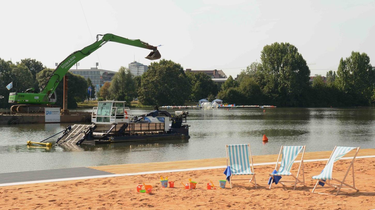 Bereits vor der Eröffnung des Sandstrandes im letzten Jahr wurde Schlamm aus dem Wöhrder See abgetragen. Jetzt sollen wieder Bagger anrücken, damit der See wieder seine ursprüngliche Tiefe erhält.