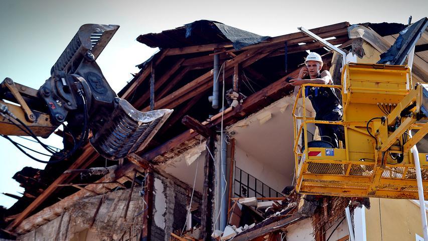 Das Parkhotel wird abgerissen: Der Bagger kennt keine Gnade
