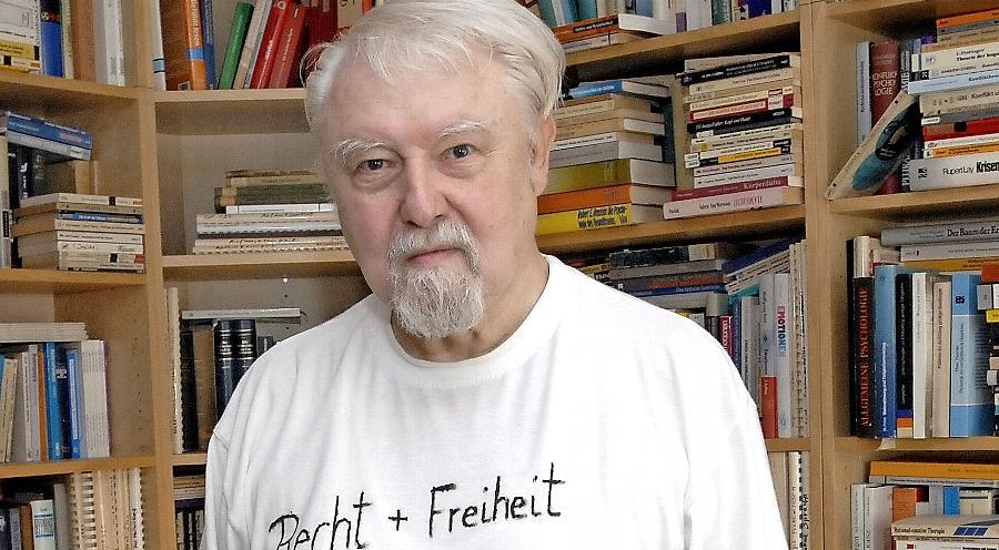 Der Erlanger Psychologe Rudolf Sponsel freut sich über die Entlassung Gustl Mollaths.