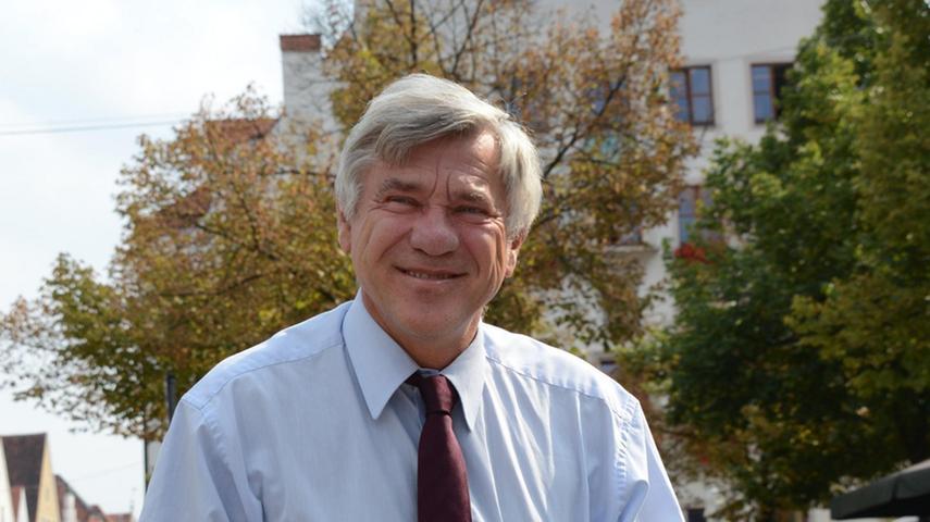 Ein Blick die Oberpfalz: Der Rechtsanwalt Karl Alois aus Neumarkt vertritt den Wahlkreis Amberg zukünftig im Bundestag in Berlin. (Klicken Sie hier für mehr Infos zu Karl Alois)
