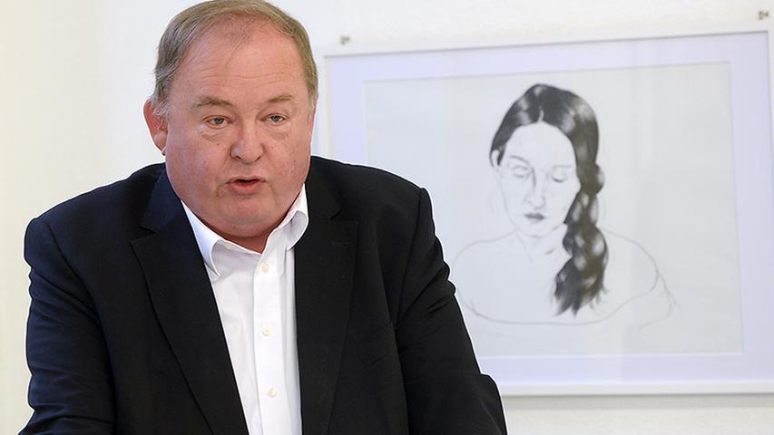 Roidls Selbstporträts in Schwarz-Weiß beschäftigen sich mit jugendlicher Frische, weiblicher Reife und der Begegnung mit dem Tod.