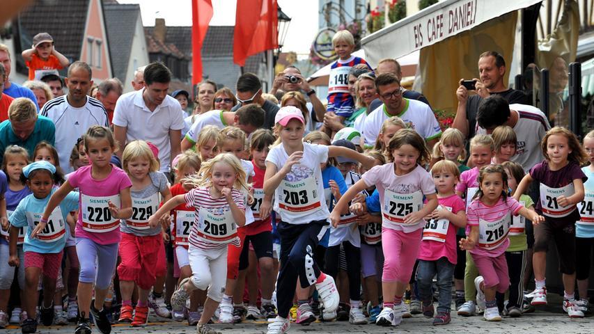 Fränkische Schweiz Marathon: Die Kids sprinten los