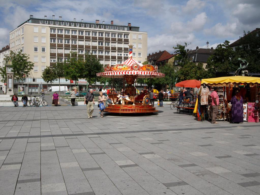 LOKALES FOTO: Eduard Weigert DATUM: 1.9.13..verkaufsoffener sonntag südstadt