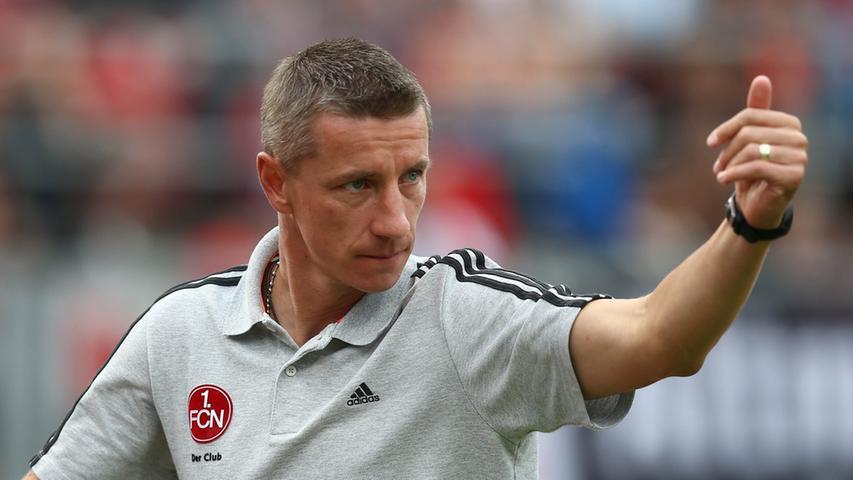 Letztes Jahr noch Führungsspieler der zweiten Mannschaft, nun Bundesligacoach. Auch wenn Marek Mintal in Nürnberg die Herzen der Fans zufliegen, so fehlt dem Slowaken derzeit noch die notwendige Lizenz. Von der Trainererfahrung ganz zu schweigen. Von unseren User bekommt Mintal die Note 3,8.