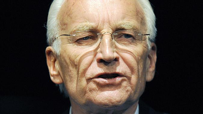 ... Edmund Stoiber: Er war von Mai 1993 bis September 2007 Ministerpräsident Bayerns und ist seit dem Ende seiner Amtszeit Ehrenvorsitzender der CSU. Der Ziehsohn von Franz Josef Strauß und legendäre Rhetoriker (unvergessen: Die