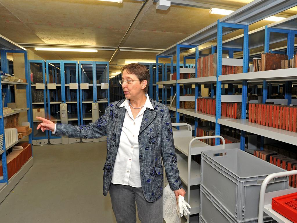 Archivdirektorin Andrea Schwarz ist stolz, dass die Baukosten im Rahmen der  Schätzung geblieben sind.