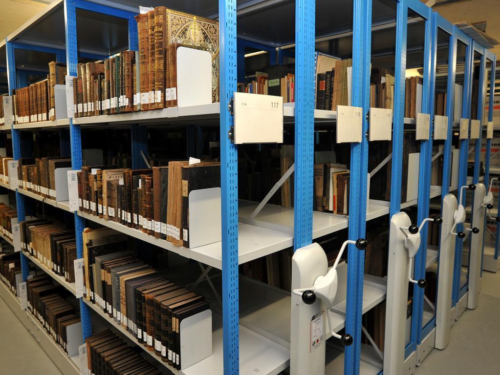 19 Millionen Euro hat der Neubau am Wöhrder See gekostet und beherbergt 17  Kilometer Urkunden, Akten und Bücher — und ist damit erst zu Hälfte gefüllt.