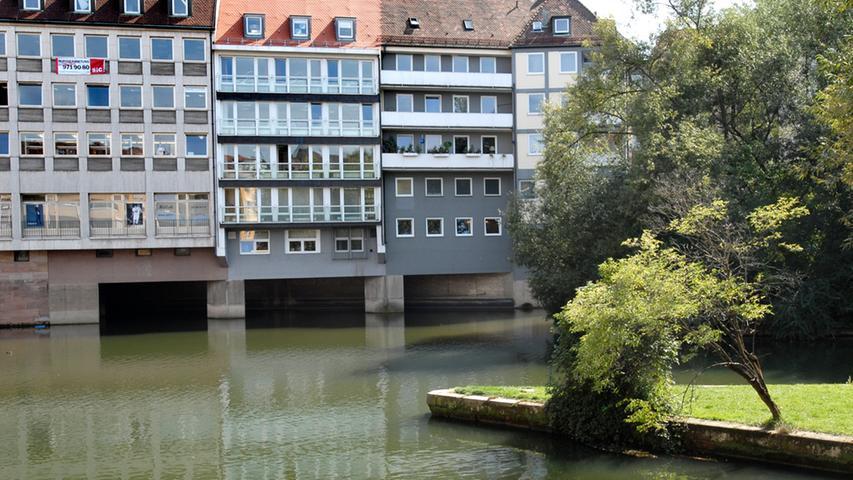 Er kann bei Hochwasser rund 130 Kubikmeter Wasser pro Sekunde aufnehmen. Seit 1909 wurde Nürnberg übrigens von keinem Hochwasser mehr heimgesucht.