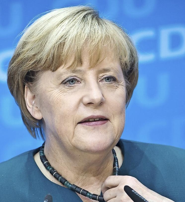 Bundeskanzlerin Angela Merkel trifft sich am Montag mit Vertreter des Zentralrats Deutscher Sinti und Roma im Kanzleramt .