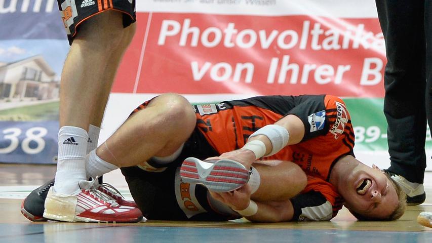 ...und Murawski ging angeschlagen zu Boden.