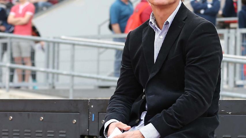 Ein weiterer Kandidat auf der Nürnberger Trainerbank wäre der Norweger Jörn Andersen. Bis 2012 war er Trainer beim Karlsruher SC, aktuell wäre der 50-Jährige frei. In der Noris ist Andersen kein unbeschriebenes Blatt: Von 1986 bis 1988 streifte er sich das Club-Trikot über. Zudem wurde der ehemalige Stürmer beim 0:5-Debakel gegen den HSV im Frankenstadion gesichtet. Zufall? Unsere User geben ihm die Note 4,1.