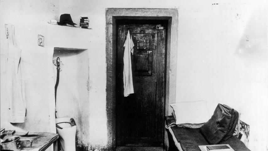 Blick in eine der Zellen im Nürnberger Gefängnis, in denen die Angeklagten saßen.