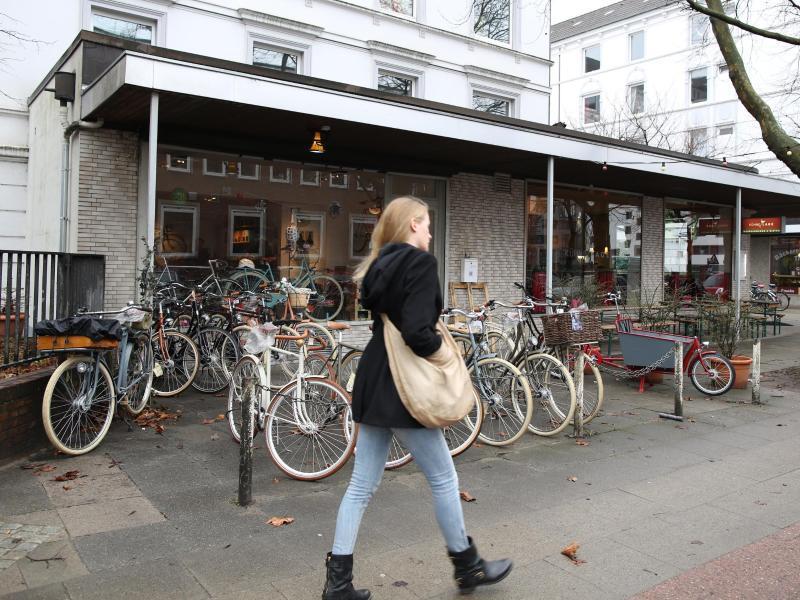 Vor diesem Laden in der Schützenstraße in Hamburg wurde Süleyman Tasköprü erschossen.