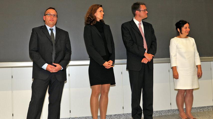 Darüber hinaus wurden auch Nachwuchswissenschaftler für ihre Habilitationsschriften geehrt. Die Auszeichnungen sind mit je 1500 Euro dotiert.