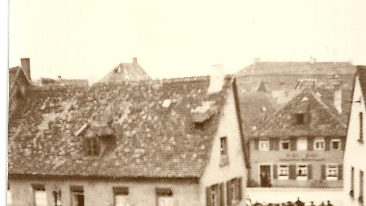 Die Sprengung der Forchheimer Synagoge  am Nachmittag des 10. November 1938 verfolgte eine Menge Schaulustiger.