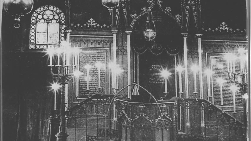 So sah das Innere der Synagoge in Fürth aus.