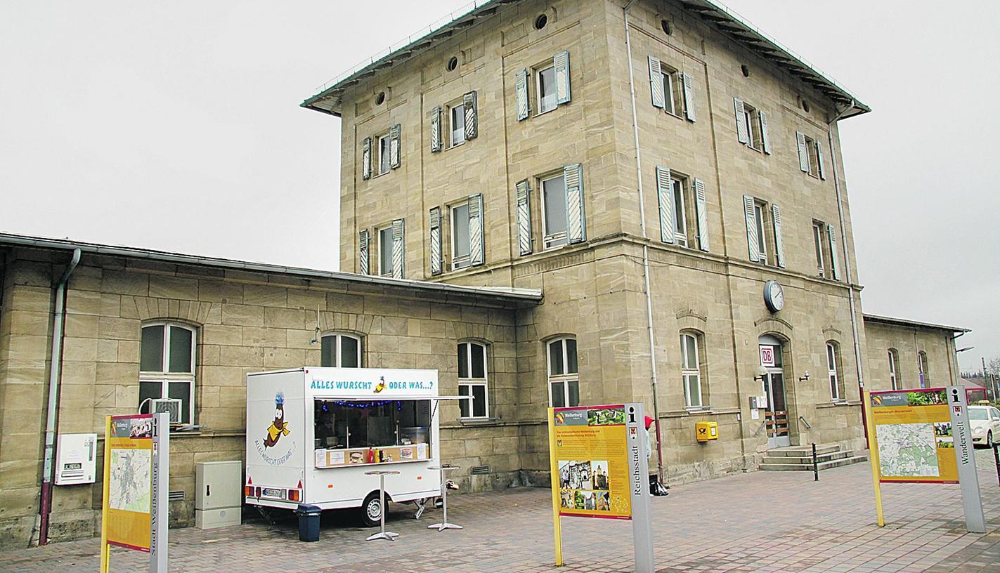 Die Stadt Weißenburg hat beim Versuch, das Bahnhofsgebäude zu kaufen, erneut einen Rückschlag erlitten.
