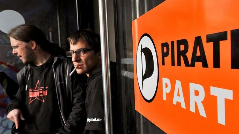 Mitglieder der Piratenpartei beim Bundesparteitag in Chemnitz.