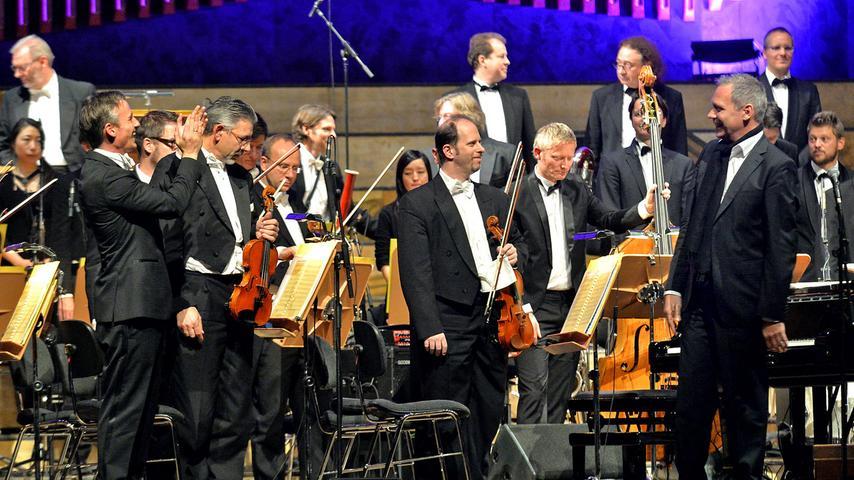 Ressort: Feuilleton ..Fotograf: Horst Linke..Motiv: Shelley meets  Wolf..Alexander Shelley und Thilo Wolf mit ihren Orchestern in der  Meistersingerhalle