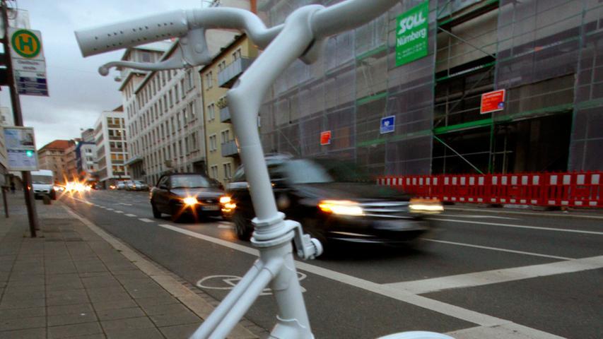 Das Mahnmal soll nicht nur Radfahrer, sondern auch Autofahrer wachrütteln, besser aufeinander achtzugeben.