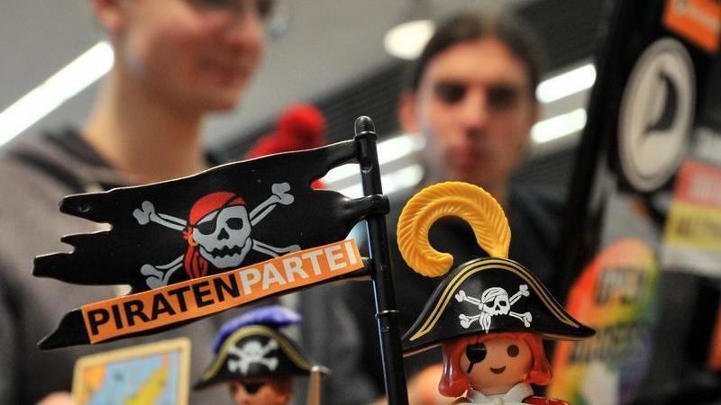 Die Piratenpartei setzt ihren Bundesparteitag in Chemnitz fort.