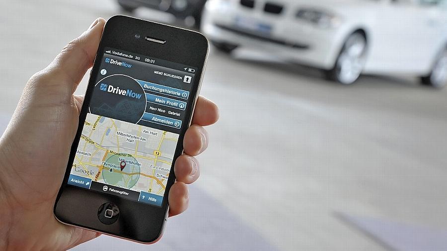 Smartphones tragen zur Attraktivität von Carsharing bei. In Nürnberg sollen neue Stationen jetzt den Weg ebnen.