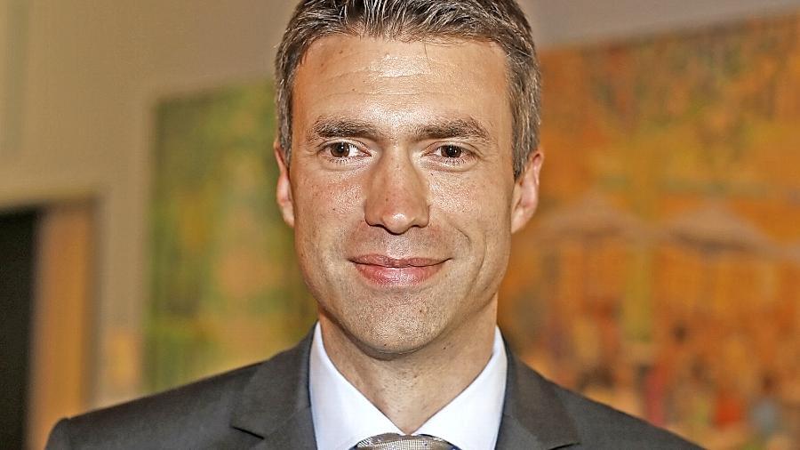Stefan Müller sitzt seit 2002 im Bundestag. Er ist verheiratet und Vater einer Tochter.